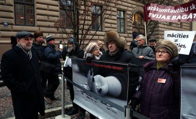 СМИ поведали, как квласти вЛатвии придут русские