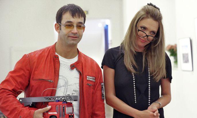 Дмитрий Певцов привез супругу вЗАГС изагадал поклонникам загадку