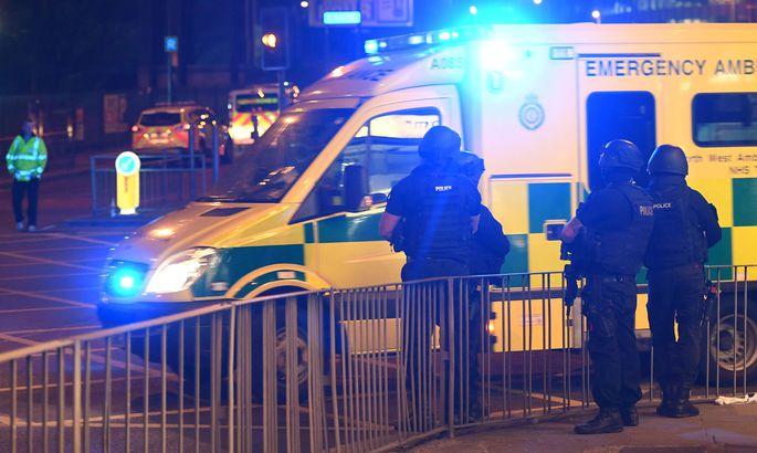 Встолице Англии произошла стрельба между полицией игруппой людей вмасках