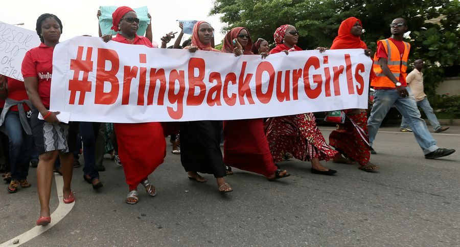 ВНигерии похищенных два года назад школьниц обменяли набоевиков