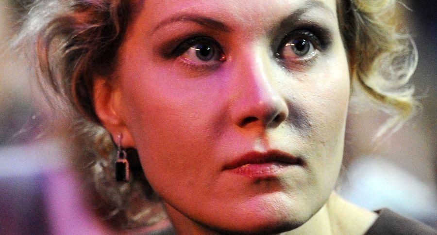 50-летняя Рената Литвинова скрывает свою фигуру под широкими платьями
