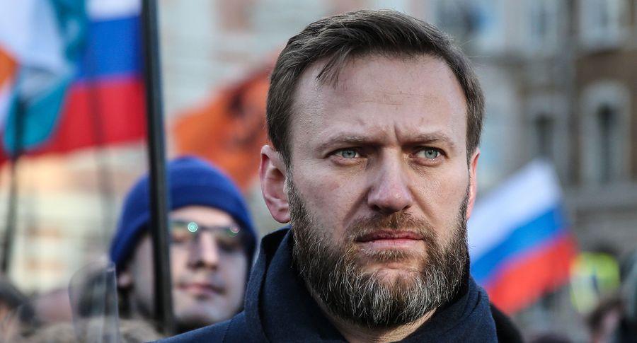 В РФ школьника прямо сурока забрали вполицию заподдержку Навального