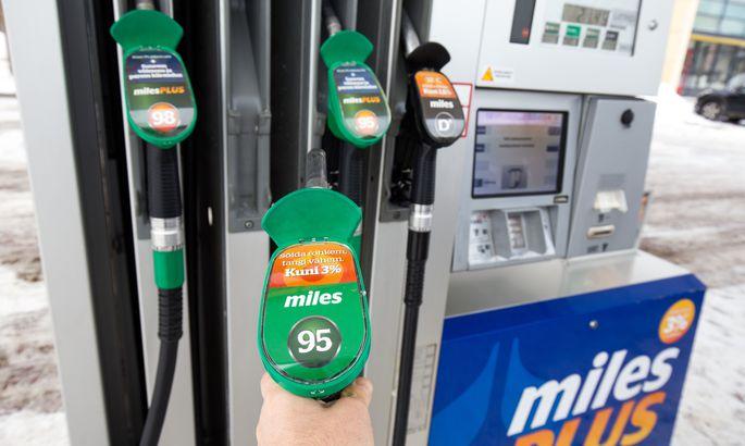 096e0a07d9c Statoili kütuse makseautomaatides saab osta klaasipesuvedelikku ja  kaminapuid.