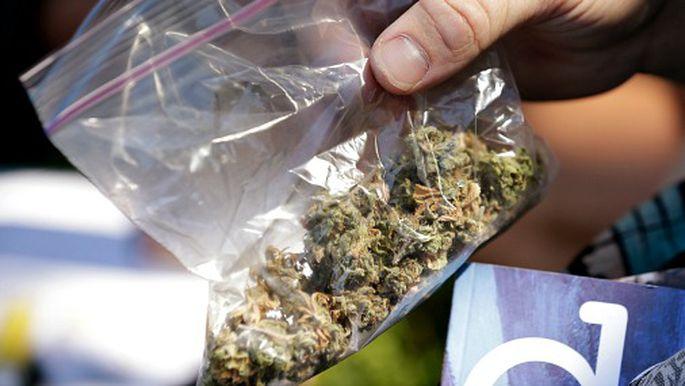 Что помогает от депрессии марихуана марихуана легализована в калифорнии