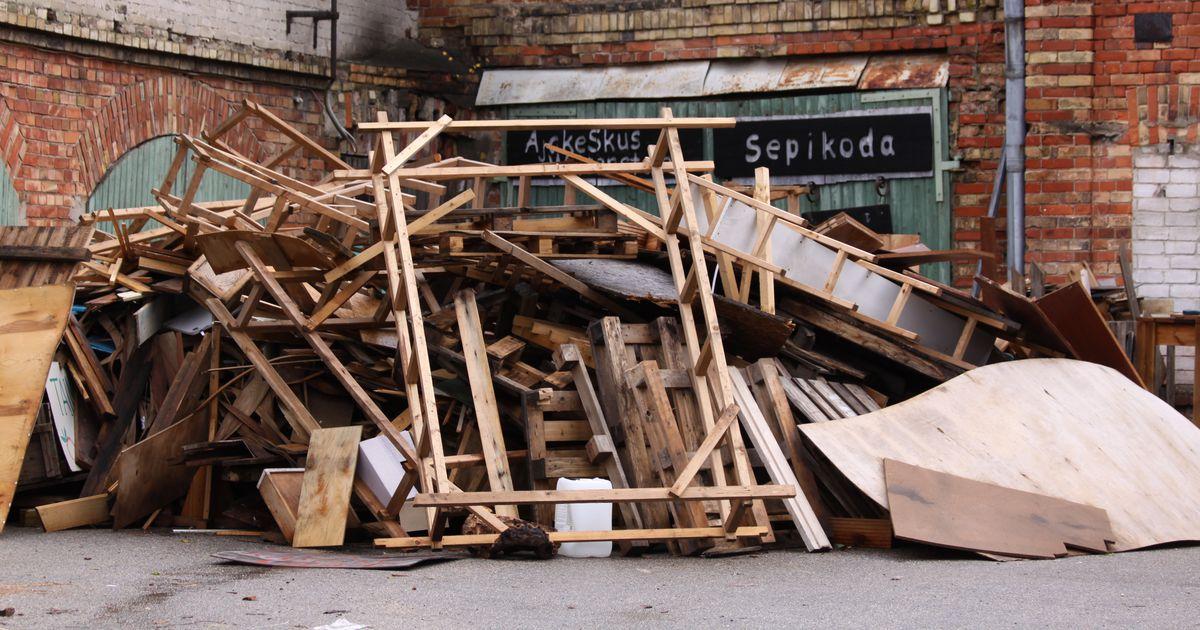Ajakeskus pakub kütteks lammutusega tekkinud puitu
