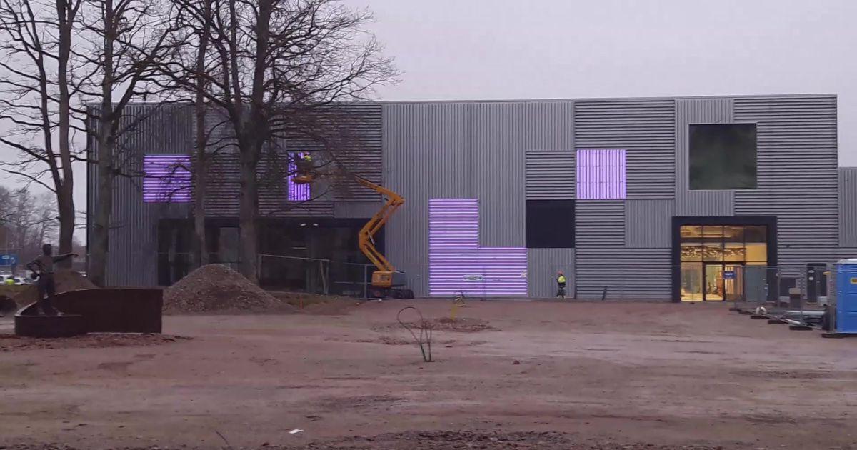 VIDEO Esimesed kaadrid: kuidas Jõhvi pargikeskuse fassaad helendama hakkab