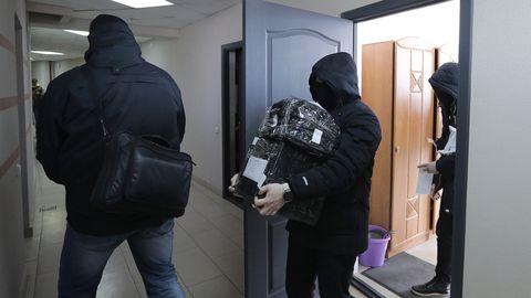 Valgevene miilits otsib läbi ajakirjanike ja aktivistide kodusid