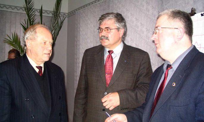 9dd9908c4c0 ASi Eesti Gaas juhatuse esimees Aarne Saar (vasakul), Valga maavanem Georg  Trašanov ja Tõrva linnapea Agu Kabrits arvavad, et projekt tuleb ellu viia.