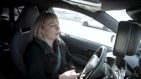 Таксист и психолог Элина из Таллинна: возможно ли договориться с пьяным клиентом?