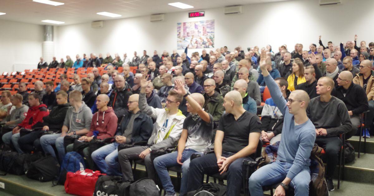 Kaitsevägi õpetab ajateenijatele eesti keelt