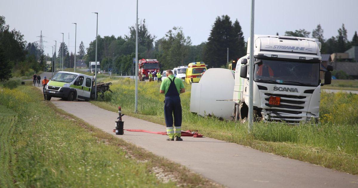 Kütuseveok sõitis kraavi
