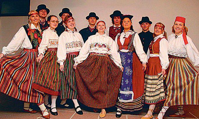 65c4c9c8b3c Rahvatants rahvuspiire ja keelebarjääre ei tunne. Tantsi kas või  Makedoonias! FOTO: Erakogu