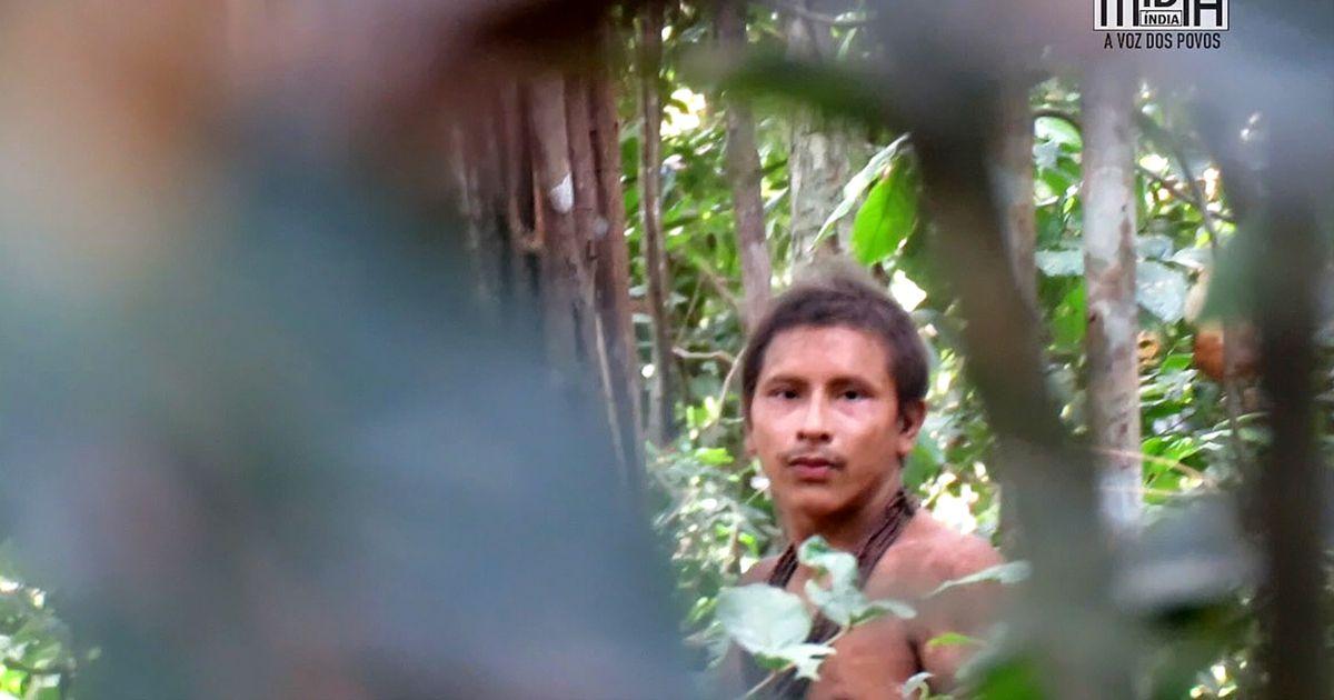 Üliharuldased kaadrid: Amazonase džunglis märgati väljasuremisohus hõimu põliselanikku