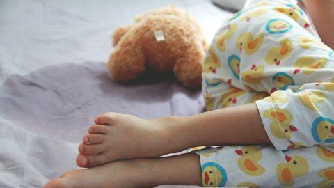 Perearst selgitab: laps ei ole voodimärgamises süüdi