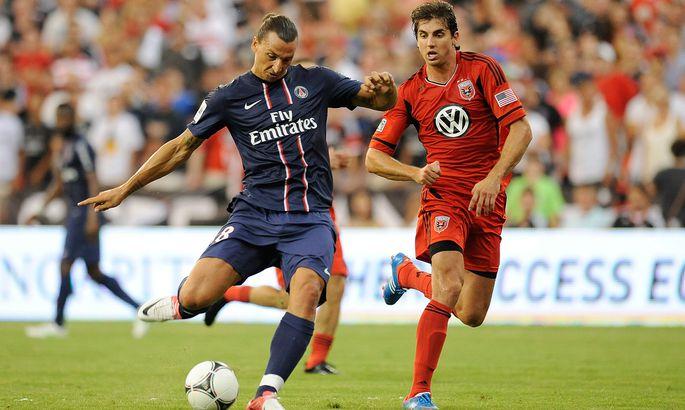 80ce07823f7 Zlatan Ibrahimovic (vasakul) avas paari minutiga PSG särgis oma  väravatearve.