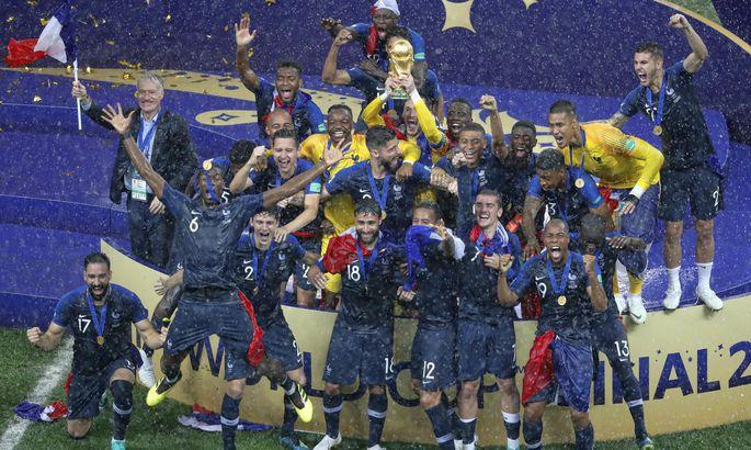 171fba89c0d Prantsusmaa jalgpallikoondise MM-i võidu tähistamine Moskvas Lužniki  staadionil.