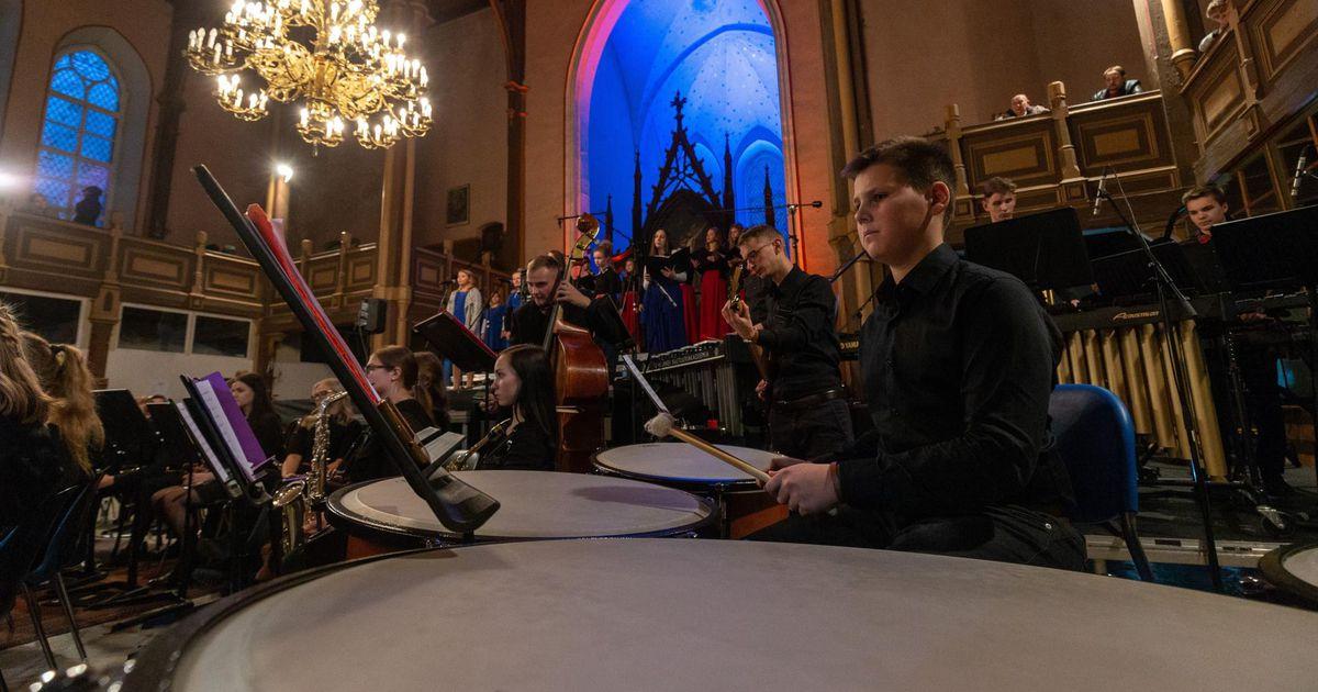 Muusikakool annab kirikus jõulukontserdi