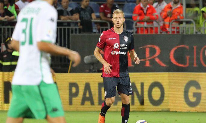 070d04d8ecc Cagliari Calcio keskkaitsja Ragnar Klavan. FOTO: Cagliari Calcio. Eesti  jalgpallikoondise kapteni ...