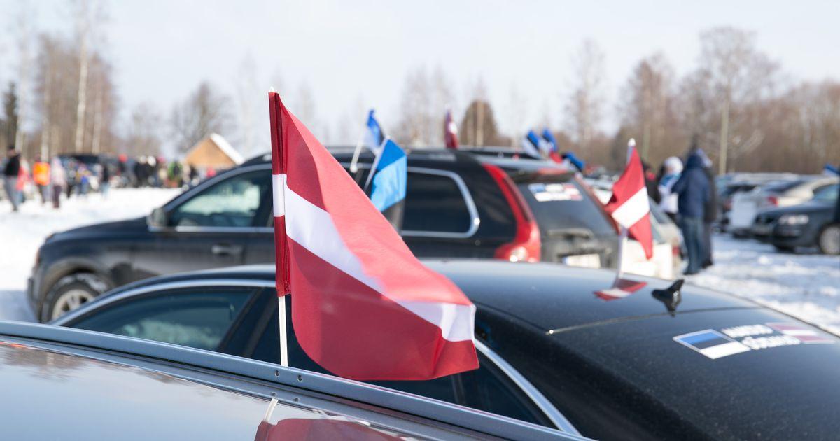 Фото и видео: тысячи водителей из Эстонии в знак протеста уехали в Латвию