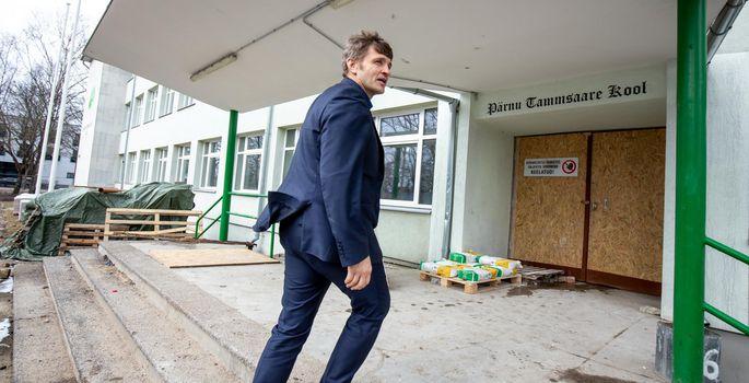 f09bc51e22b Direktor Riho Alliksoo kõneles, et remondi käigus tehti Tammsaare kooli  hoone seest täiesti puhtaks, püsti jäid vaid seinad ja kogu sisu tuleb uus.