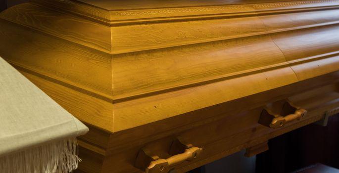 5e2fea3c146 Mees kurdab, et matusebüroo kaotas tema kadunud naise ehted - Kuuuurija