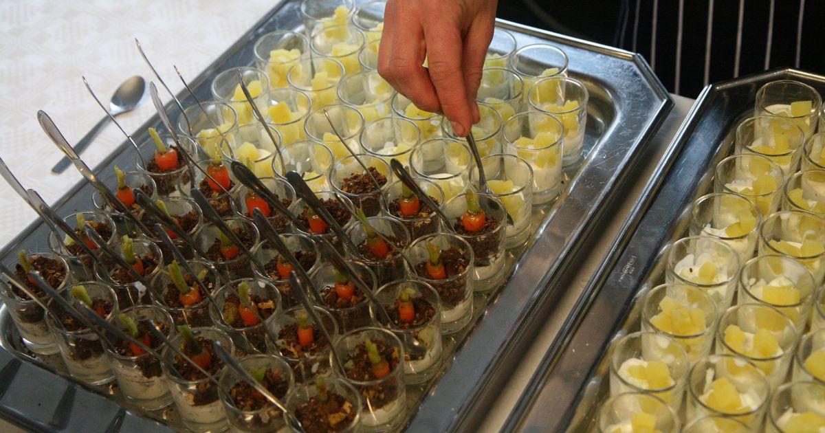 Presidendi vastuvõtul pakutakse külalistele söödavat mulda