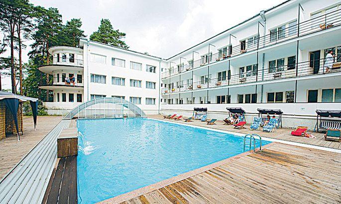 915657d43f7 Põhjaranniku pärl Nõnda võiks tituleerida Teise maailmasõja eelset  kuurordiarhitektuuri meenutavat, praegu Narva-Jõesuu spaa-hotelli nime  kandvat asutust.