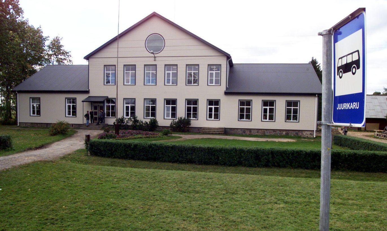 Suurejõe raamatukogu kolib ruuminappuses Juurikaru kooli