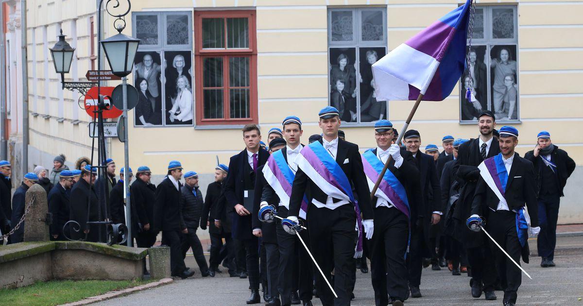 Hommikul oli linn sini-violett-valgete teklitega mehi täis!