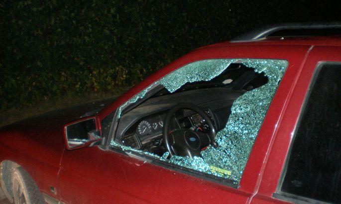 a5acf62e096 Autovaraste jõuk lööb tavaliselt akna sisse ja võtab, mis autos on.