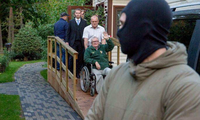 9af57feed59 Kohus vaeb Savisaarelt läbiotsimisel leitud sularaha arestimist ...